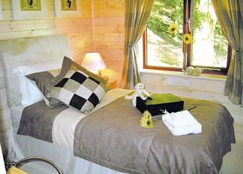 Astbury-Falls-Lodges