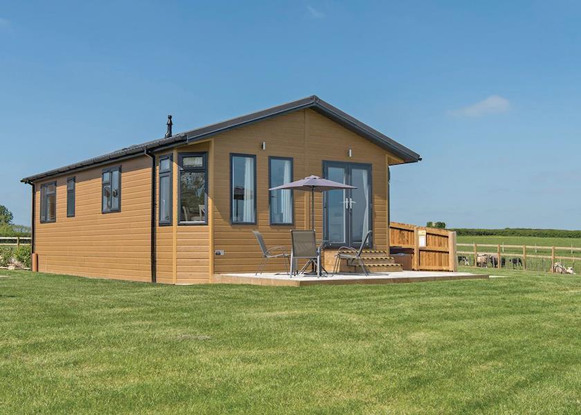 New-Oaks-Farm-Lodges