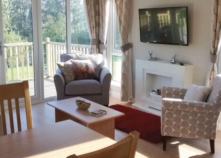 Redwell-Lakes-Lodges