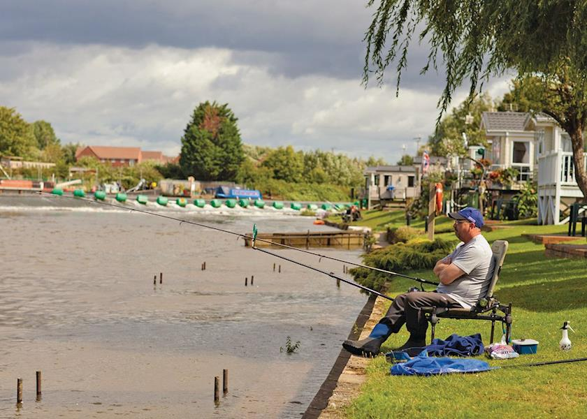 Weir-Meadow-Holiday-Park