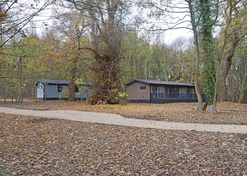Woolverstone-Marina-Lodge-Park